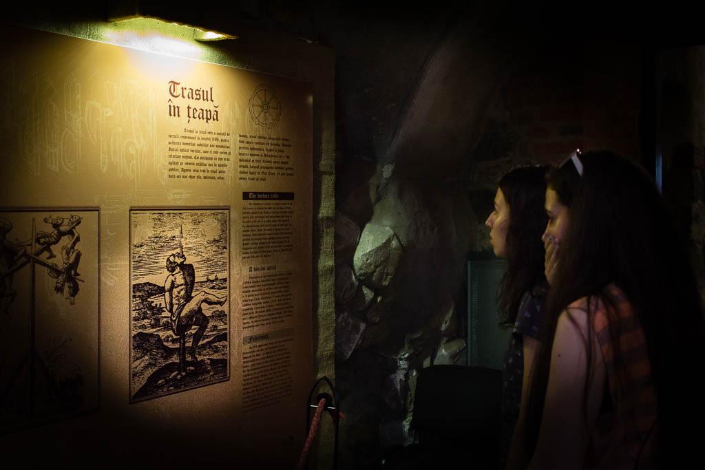 drácula-rumanía-castillo-vlad-empalador-turistas