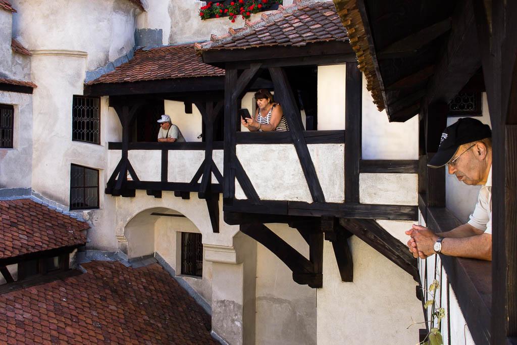 drácula-rumanía-castillo-bran-turistas