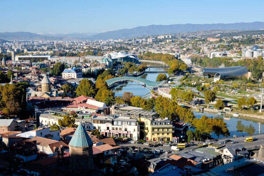 Ciudad, Georgia, Río Kurá, vista general de Tbilisi