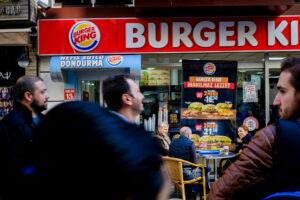 Fotografía callejera personas Estambul Burger King