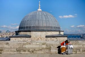Turista descansando Estambul